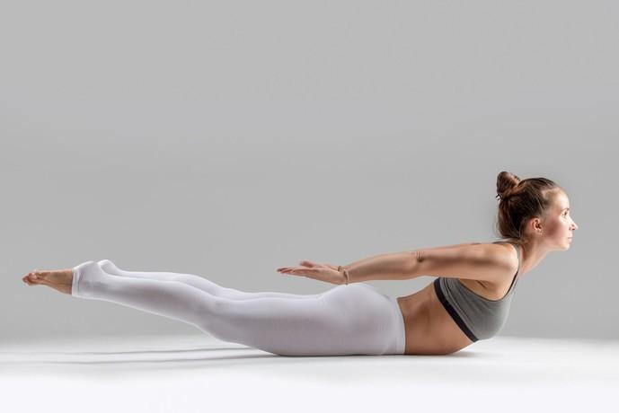 背筋(脊柱起立筋)を鍛えられる自重トレーニング