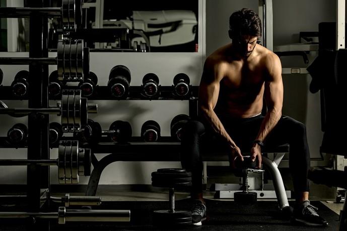 大腿二頭筋を鍛えられるトレーニング方法