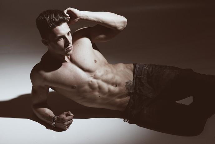 外腹斜筋を鍛えられるサイドクランチトレーニング