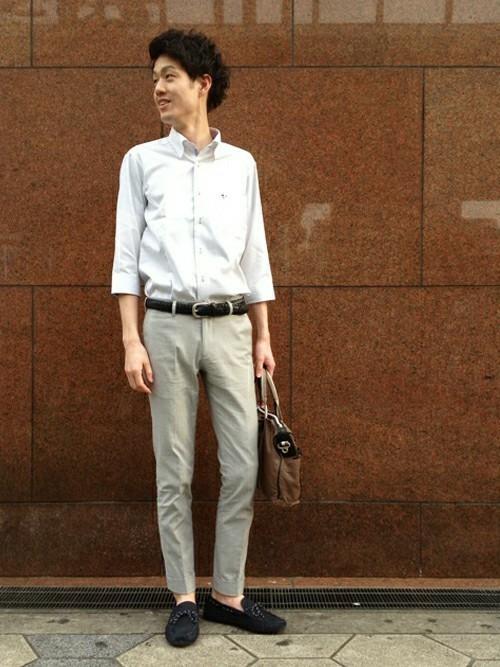 白シャツの王道クールビズコーデ