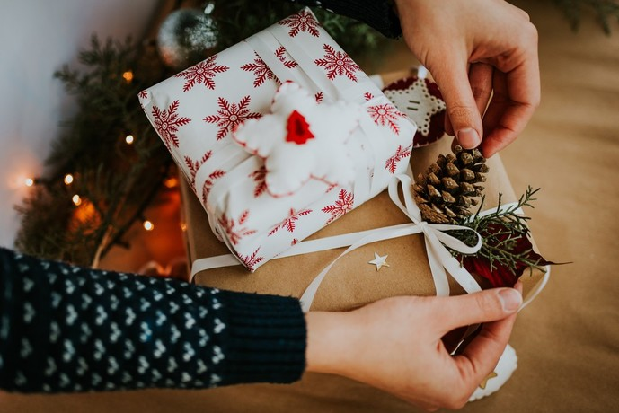 20代の奥さんに贈りたいクリスマスプレゼントの予算