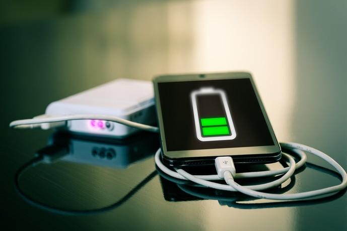 コンセント一体型モバイルバッテリーのメリットとデメリット