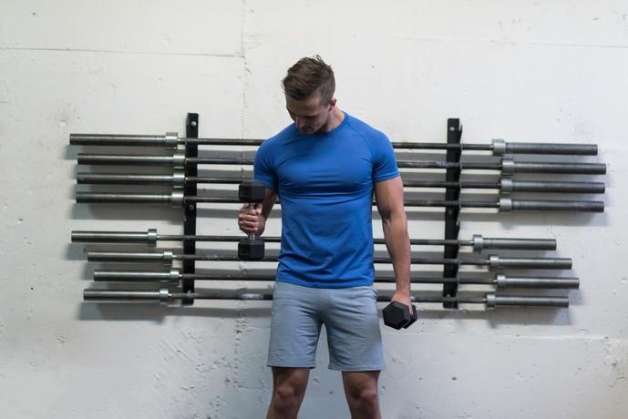 腕橈骨筋を鍛えられるハンマーカール