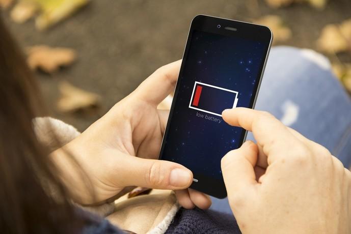 小型モバイルバッテリーをおすすめする理由