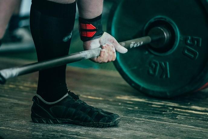 大腿筋膜張筋を鍛えられるトレーニングメニュー