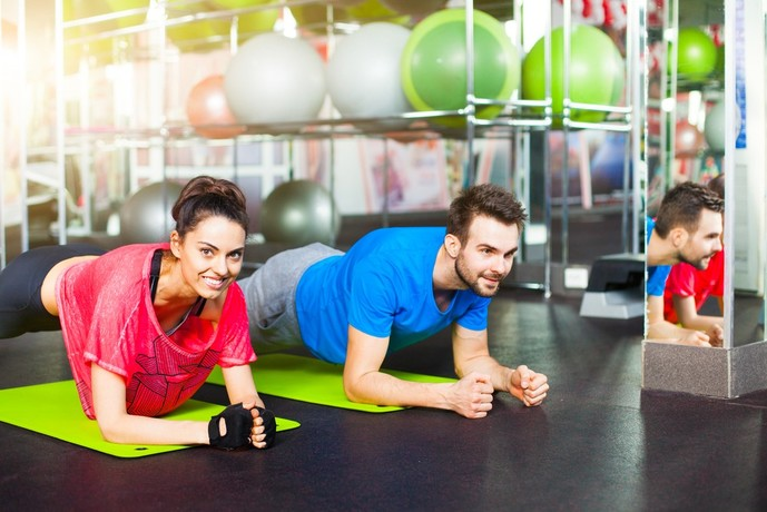 腹横筋を鍛えられるプランクトレーニング