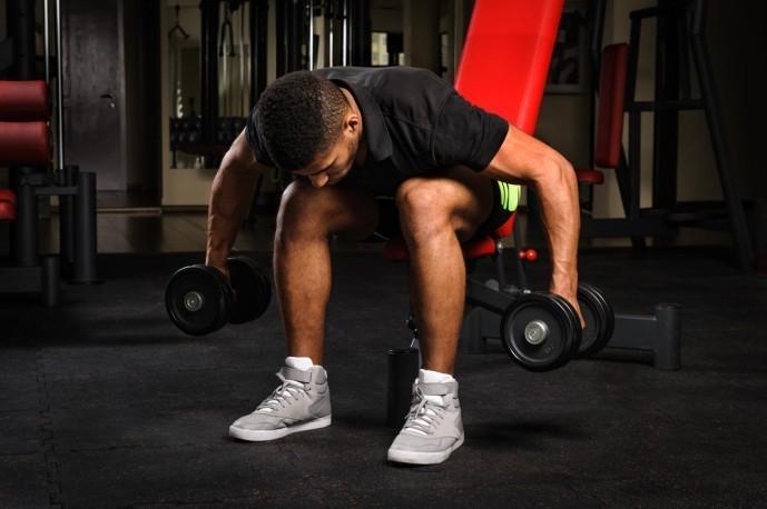 小円筋を鍛えられるリアレイズトレーニング