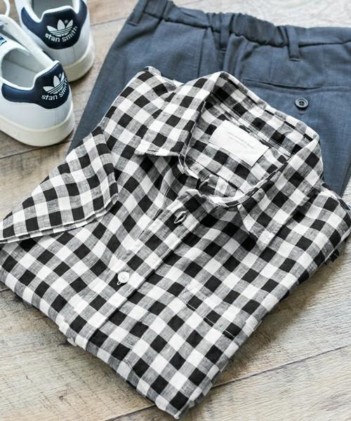コーディネートで使用されているチェックシャツ