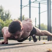 上腕三頭筋の効果的な鍛え方。二の腕を太くする筋トレの方法とは | Smartlog