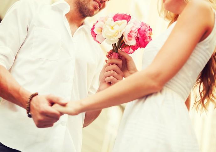 結婚記念日のプレゼントの予算は