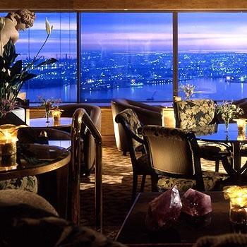 妻への結婚記念日のプレゼントに横浜ロイヤルパークホテルのディナー.jpg
