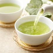 お茶の出し方のビジネスマナーとは。準備から来客時の正しい対応まで公開 | Smartlog