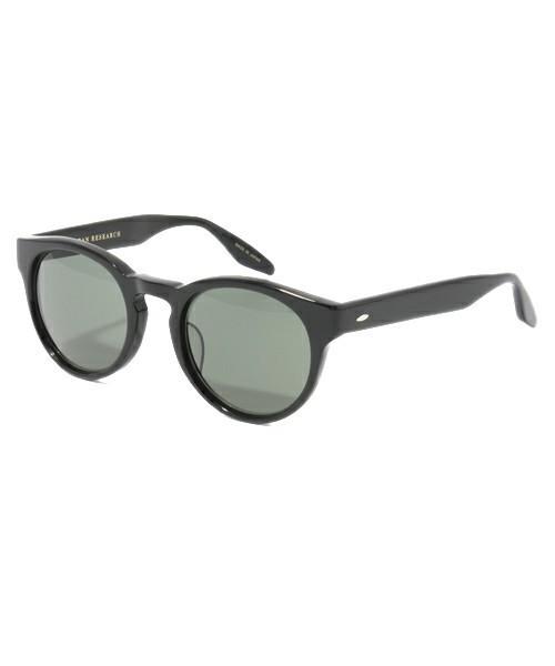 シンプルだけど高級感のあるサングラス
