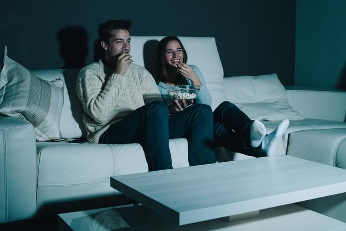 お家デートで映画鑑賞