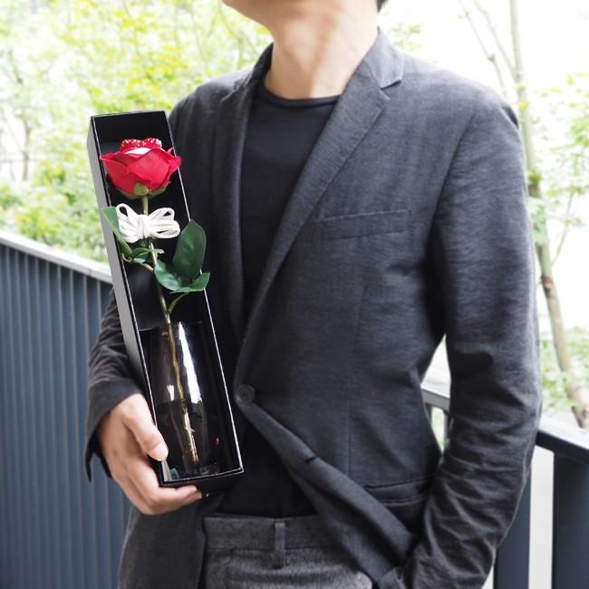 プロポーズのプレゼントにメリアルームの赤バラ一本.jpg