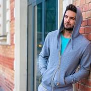 パーカーの着こなしコーデ術。鉄板アイテムを上手に活用しておしゃれメンズに | Smartlog