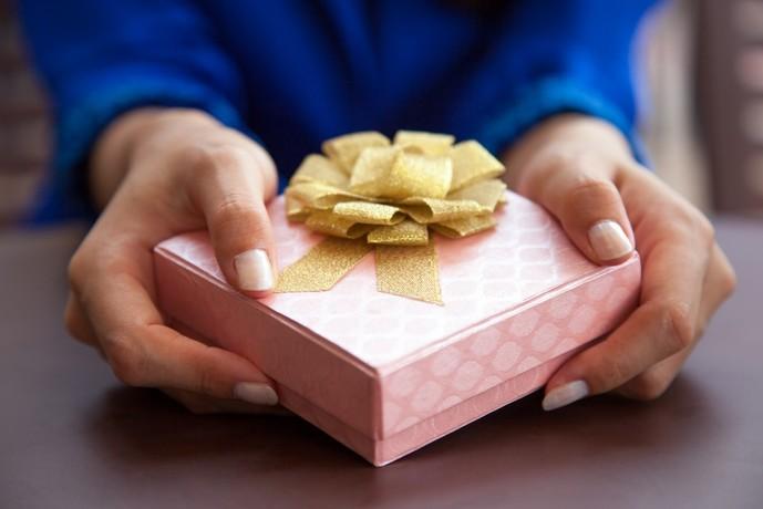 未婚の30代男性への誕生日プレゼントの予算目安