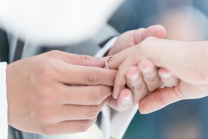 妻への結婚記念日のプレゼントに指輪