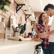 彼女の手料理を食べたとき、どう褒めるのが正解?【褒め上手への道 #5】 | Smartlog