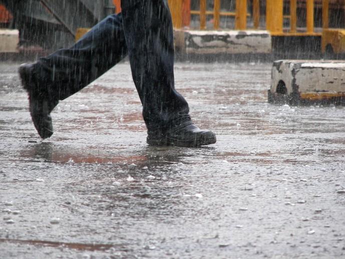 土砂降りの日に履くべき紳士靴