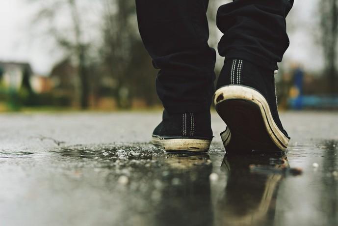 小ぶりの日に履くべき紳士靴