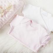 出産祝いにはロンパースをプレゼント。女の子も男の子も人気ブランドで祝福 | Smartlog