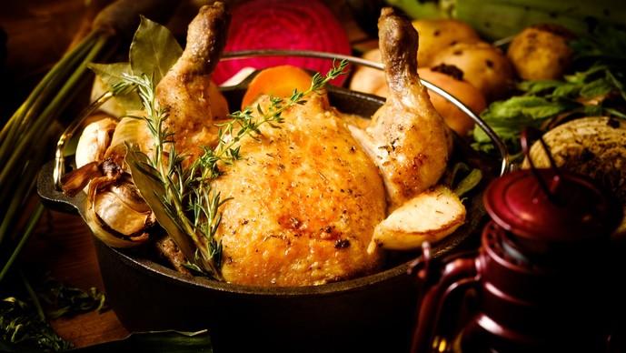 ハーブ香る丸ごとひな鶏のロースト