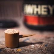 ホエイプロテインのおすすめ10選。筋トレ効果を倍増させる人気アイテムとは | Smartlog