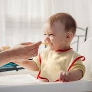 出産祝いに人気のスタイ8選。男の子も女の子も嬉しいおすすめブランドとは | Smartlog