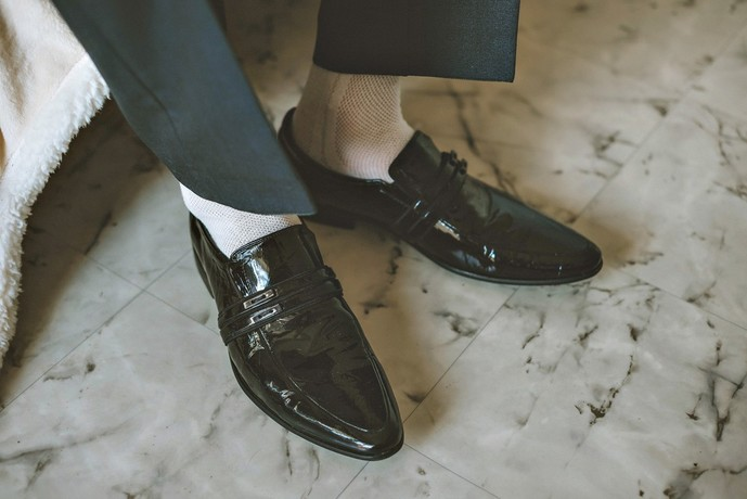 結婚式で白の靴下はNG