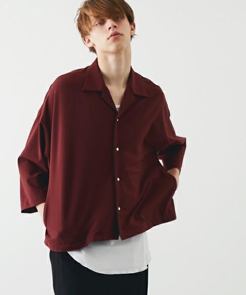 STUDIOUSの赤シャツ