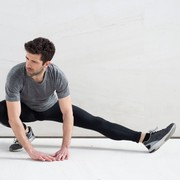 【大腰筋のストレッチ方法】誰でも簡単に出来る効果的な柔軟体操7選 | Smartlog