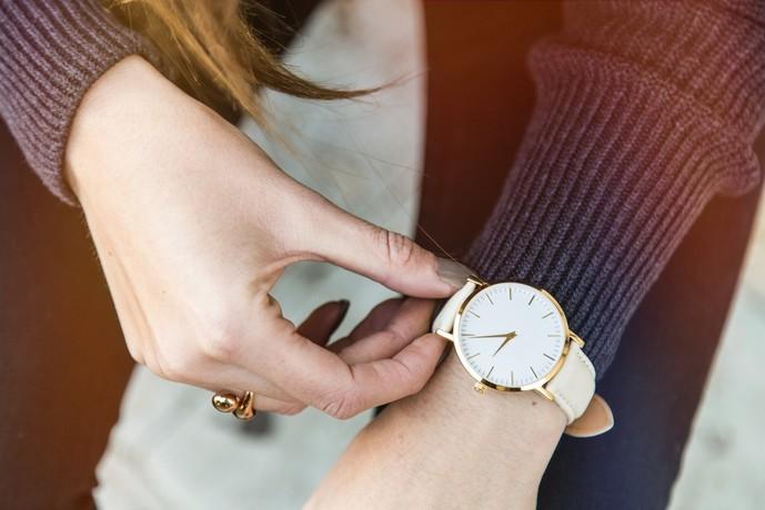 社会人の彼女の誕生日プレゼントに腕時計