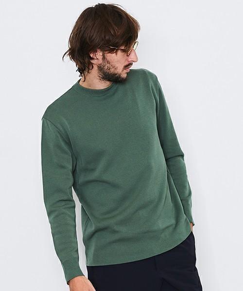 薄くハリのある丈夫なニット生地のTシャツ
