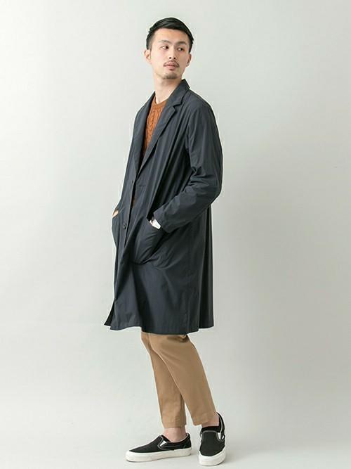ニットとチェスターコートの秋ファッションコーディネート