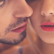 乾燥してきたから要注意!女性は「カサカサ唇の男」とはキスしたくない。   Smartlog