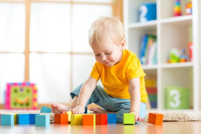 2歳になる男の子が喜ぶおもちゃの誕生日プレゼント