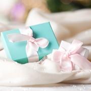 社会人の彼女が絶対に喜ぶ誕生日プレゼントランキング【20代後半・30代前半】 | Smartlog