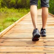 【ふくらはぎのストレッチ方法】下腿三頭筋を伸ばす効果的な柔軟体操とは | Smartlog