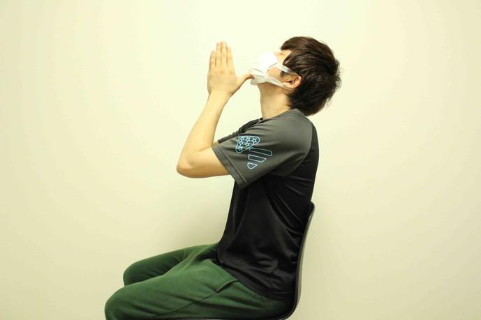 首のストレッチ方法
