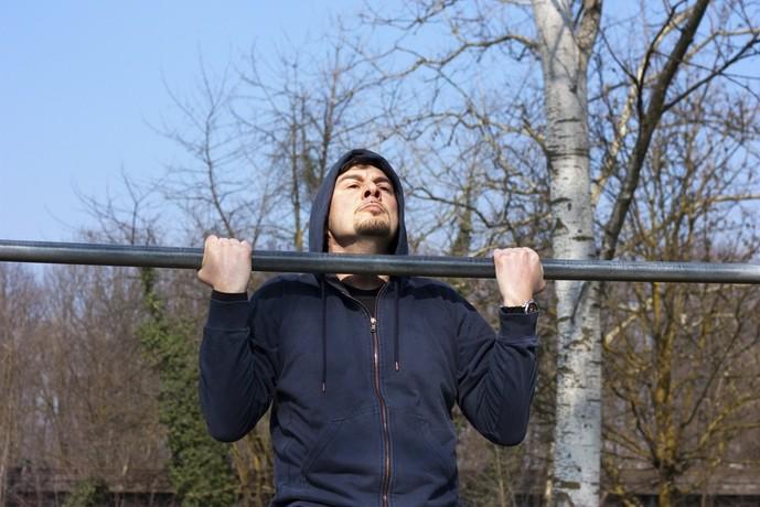 力こぶを作る効果的なトレーニングメニュー