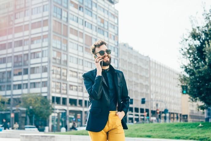 2017秋のメンズファッション カラーパンツ