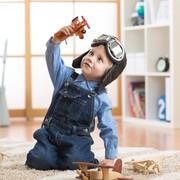 2歳の男の子が夢中になる誕生日プレゼント。子どもが喜ぶ人気おもちゃとは | Smartlog