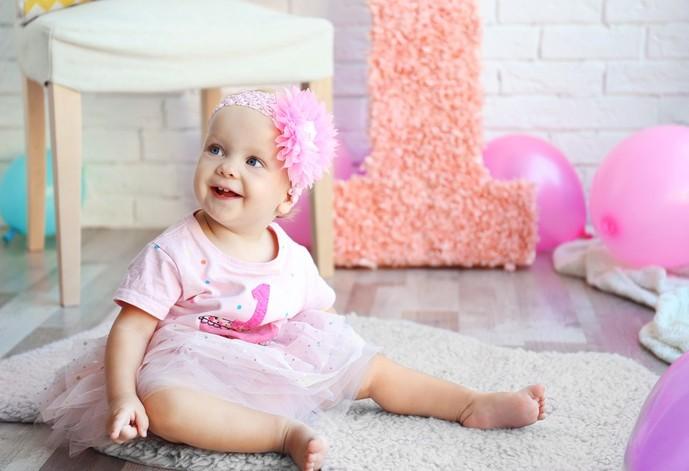 1歳の女の子に贈る人気おすすめ誕生日プレゼント