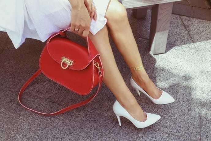 ホワイトデーで本命彼女にお返ししたいプレゼントにバッグ