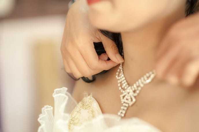 ホワイトデーで本命彼女にお返ししたいプレゼントにペアネックレス