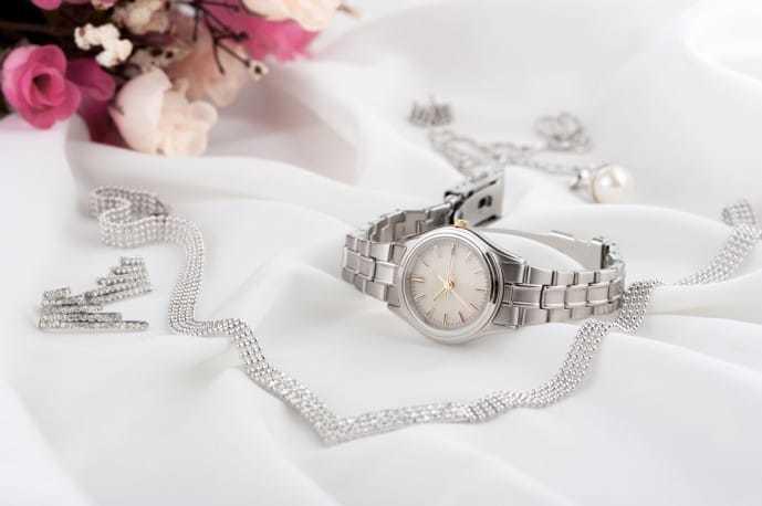 ホワイトデーで本命彼女にお返ししたいプレゼントに腕時計