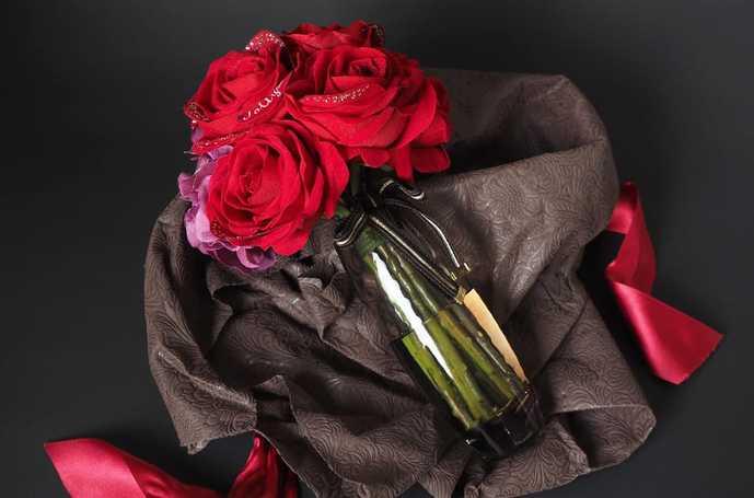 彼女へのホワイトデーのお返しプレゼントは花束風メッセージフラワー赤バラ