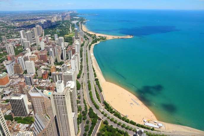 シカゴの観光スポットのミシガン湖