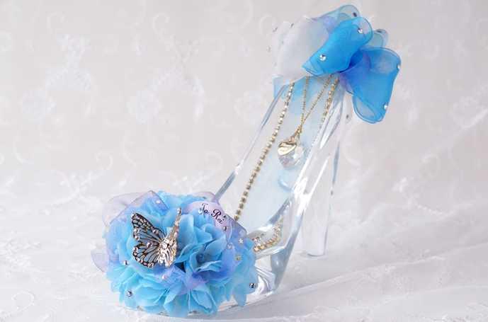ホワイトデーは花付きのガラスの靴をお返し